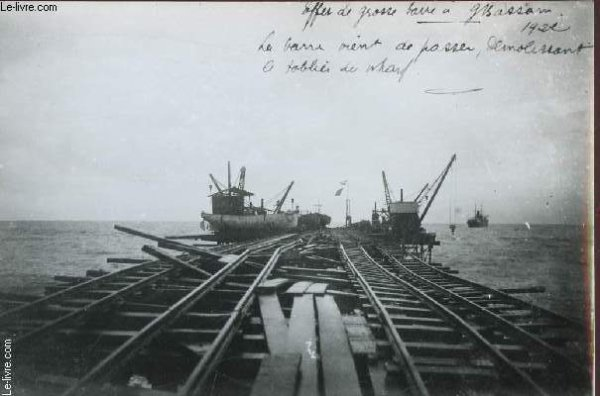 grand  bassam  historique  :  le  wharf......