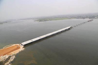 le  pont  en  construction  henri  konan  bedie..PONT HENRI KONAN BEDIE :... LE PREMIER MINISTRE SATISFAIT DE L'EVOLUTION DU CHANTIER