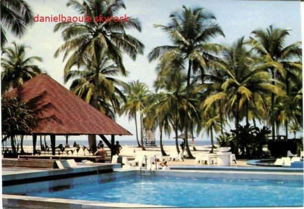 club  med  à  assouinde....la  piscine