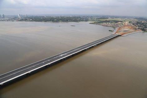 le   3   eme   pont   bientot  ouvert....!!!!!