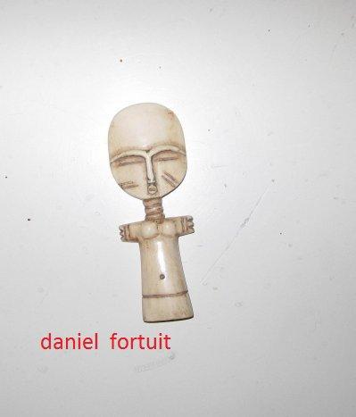objets  en  ivoire  de cote  d  ivoire.....