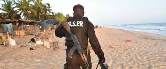 """Serge Bile 27 min ·    Un Burkinabé, qui était détenu dans son pays pour son implication présumée dans les attentats de Ouagadougou en janvier dernier, a avoué que la Côte d'Ivoire, touchée dimanche par une attaque qui a fait 19 morts, était dans la ligne de mire d'Al-Qaïda au Maghreb islamique, a-t-on appris aujourd'hui de sources judiciaires et sécuritaires.  """"Le détenu a avoué depuis un certain temps qu'ils devaient frapper en Côte d'Ivoire. Ce sont les mêmes groupes terroristes, qui ont frappé à Ouaga, qui ont frappé en Côte d'Ivoire avec les mêmes types d'armes et d'explosifs"""", a indiqué une source judiciaire proche de l'enquête.  Aqmi a revendiqué les deux attaques à Ouagadougou et Grand-Bassam et les modus operandi sont similaires, avec des hommes armés visant des endroits fréquentés: terrasses et hôtels de Ouagadougou, plages et hôtels-restaurants de Bassam.  """"Il y a des cellules dormantes de terroristes dans notre pays parmi lesquelles figurent des Burkinabè"""", a indiqué cette source.  """"Les mouvements terroristes recrutent depuis un certain temps parmi nos jeunes, souvent de très jeunes, 16-17-20 ans qui ne sont pas forcément allés à l'école où sont dans des zones précaires"""", a indiqué cette source sécuritaire sous couvert de l'anonymat, refusant de préciser si ces cellules ont été démantelées ou pas."""