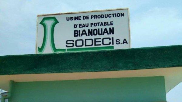Ruée vers l'or en Côte d'Ivoire : des villageois privés d'eau potable accusent les orpailleurs