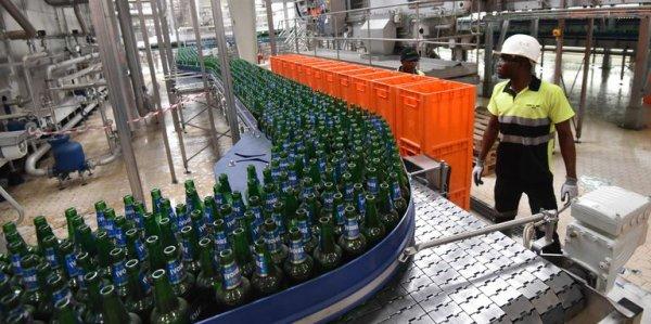 Le numéro trois mondial de la bière, Heineken, met la pression en Côte d'Ivoire En savoir plus sur http://www.lemonde.fr/afrique/article/2017/04/07/le-numero-trois-mondial-de-la-biere-heineken-met-la-pression-en-cote-d-ivoire_