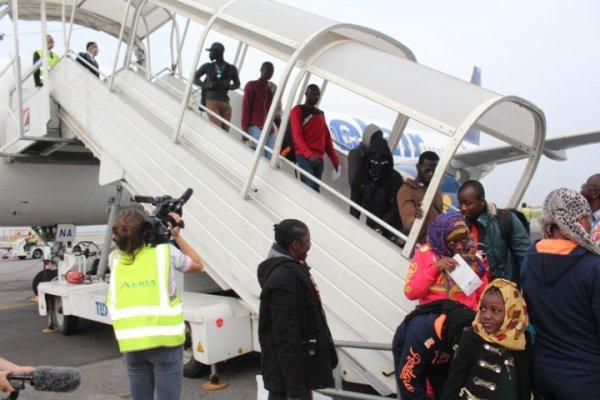 Evacuation Humanitaire :151 migrants situation irrégulière retournent au Pays. Publié le 21 mars 2017   Abidjan.net    Photographe : JOB   Photo N˚428504