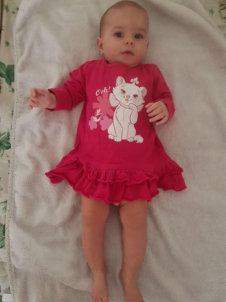 aujourd hui ma petite fille angelina a 8 mois