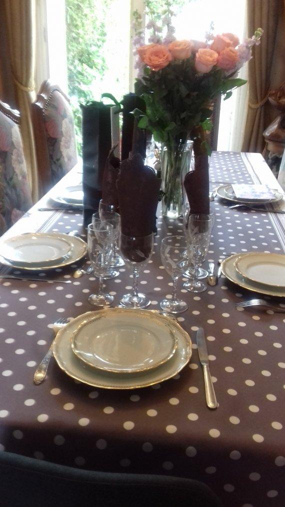 voila repas en famille  le 1er depuis l arrivee du covid pour l anniversaire de notre fille olivia qui avait lieu le 7 avril