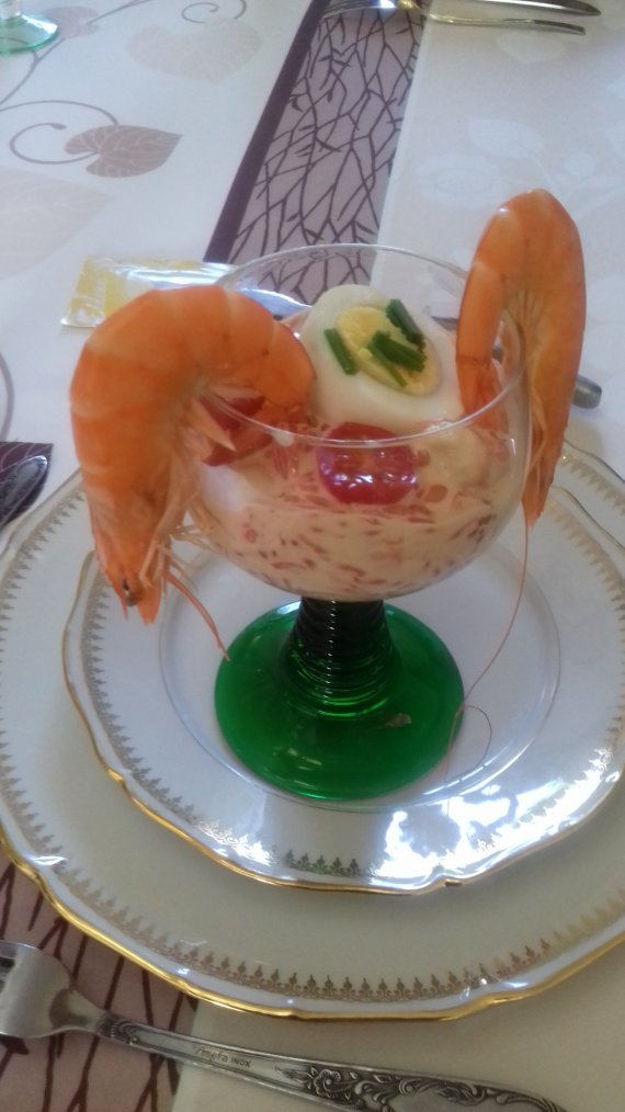 repas ce midi entre amis et amies