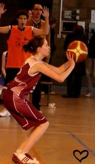• Depuis que je suis petite, j'ai toujours eu besoin du basket ♥.