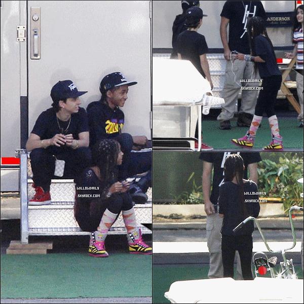--[/x:]  20/05 ..Willow et son frère Jaden étaient sur le tournage de Men In Black III avec les enfants de Michael J.J'adore les tresses de Willow et la casquette de Jaden. et vous ? + de photos vont bientot arriver .. sinon Willow est Top ou Flop ? --[/x:]