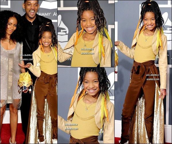 --[/x:]  13/02 ..Willow Smith et toute sa famille étaient présents au Grammy Awards 2011. J'aime pas trop la tenue de Willow et pareille pour sa coupe .. Vos avis ? Top ou flop ? [/x:]