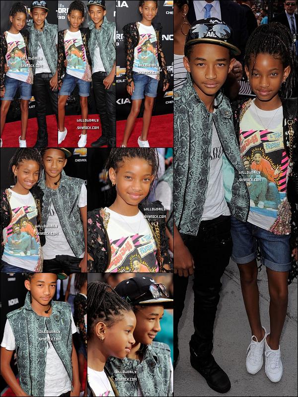 . 28/06 .. Willow Smith et son frère Jaden étaient à l'avant première de Transformers 3 à New York !  Je sais pas quoi dire.. j'aime vraiment la tenue de Willow cette fois, surtout avec son T-shirt Le prince de Bel Air, top ! .