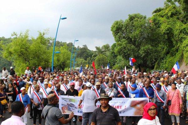 De l'anarchie à la révolution  Notre mission : un nouveau Pacte avec la République