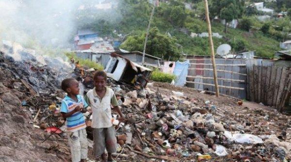 lisez ce document de Mayotte avec crtique