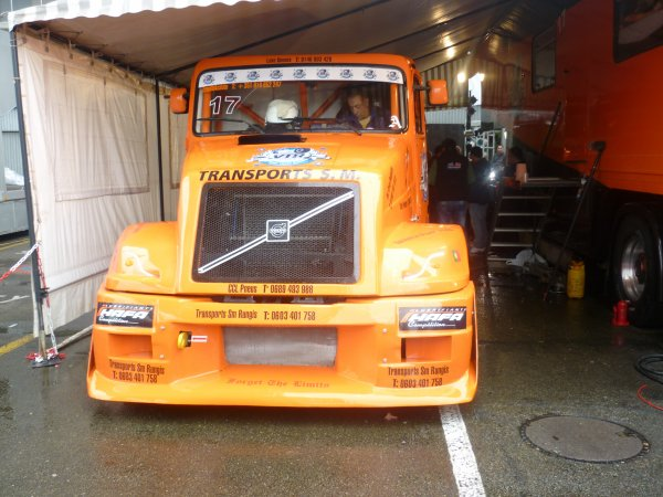 camion de course VOLVO