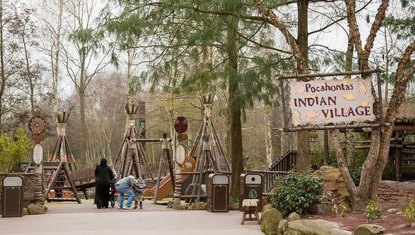 Pocahontas Indian Village, Frontierland - Disneyland Paris ● ● ● ● ● ● ● ● ● ● ● ● ● ● ● ● ● ● ● ● ● ● ● ● ● ● ● ● ● ● ● ● ● ● ● ●
