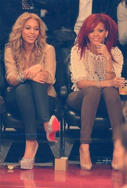 Beyonce & Rihanna - SWaGG-SOiiiNW