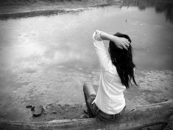 """"""" Je m'en fou, j'ai pas besoin de toi, pas besoin de es bras, ton image reflète ce que j'aime pas """""""