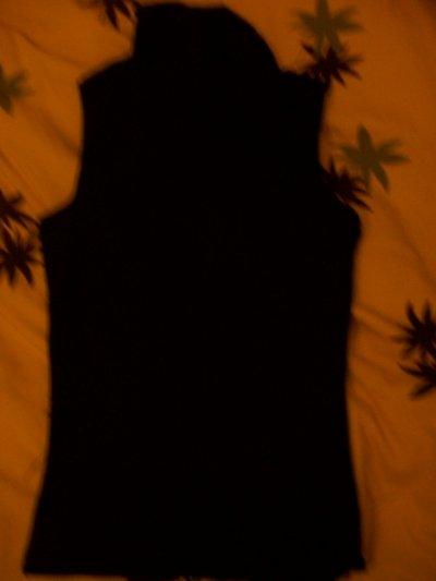 Col roulé sans manches simple noir, 5 cerises.