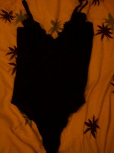 Body noir ,NEUF , 5 cerises.