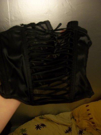 Serre taille noir avec laçage, 5 cerises.