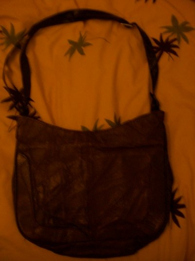 Sac a main marron en vrai cuir de boeuf , 25 cerises.