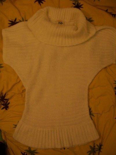 Robe pull ou tunique en laine blanc cassé , 10 cerises.