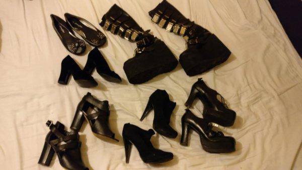 Collection de chaussures achetées