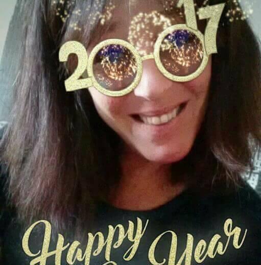 bonne  année  a   tous  pleins de   belle  choses pour  vous   tous   gros  bisous