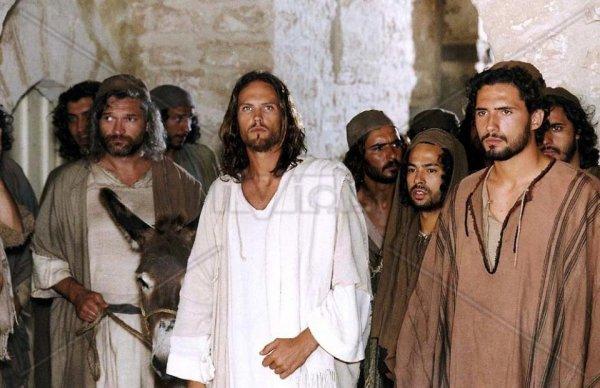 """il a tourné dans le film """"Maria Figlia Del Suo Figlio"""", où il interprète le rôle de Jésus"""
