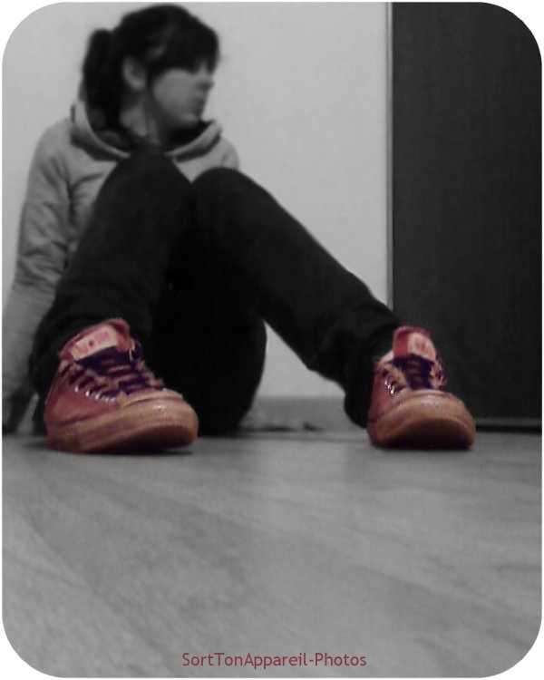 __________●▪. ___ SоятTоиAρραяєіl-PнотоѕJe vais là ou la vie me mène, la où mes pieds me trainent ...