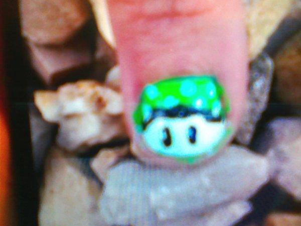 Voici une manucure Toad très vite fais