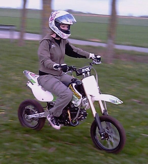 1er pas en moto ^^