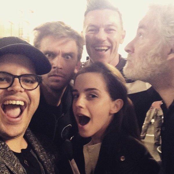 14 avril 2015 : Première photo du casting de La Belle et la Bête !
