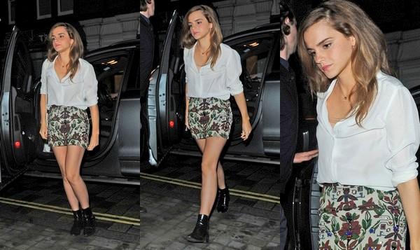 20 juin 2015 Emma se rend au Chiltern Firehouse, un hôtel/restaurant de luxe à Londres