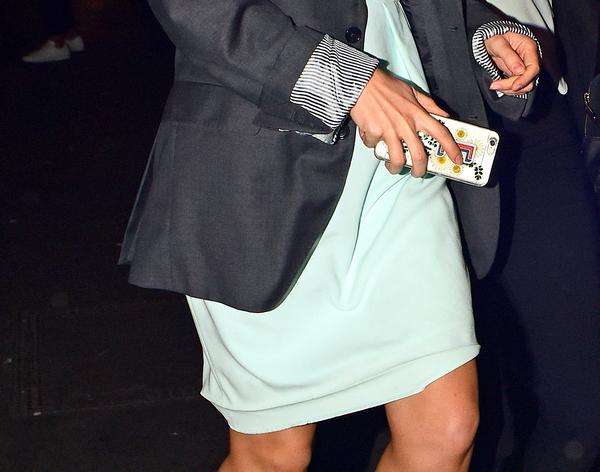 2 juillet 2015 Emma Watson rentre de soirée à Londres