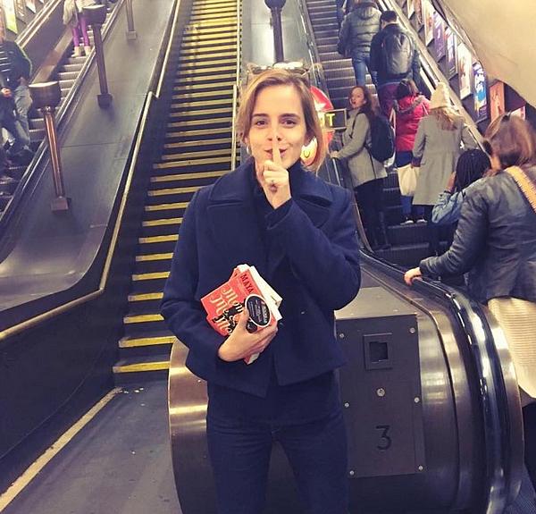 1er novembre Emma dans le métro de Londres