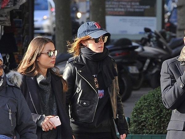 23 novembre 2017 Emma se promène dans les rues de Paris