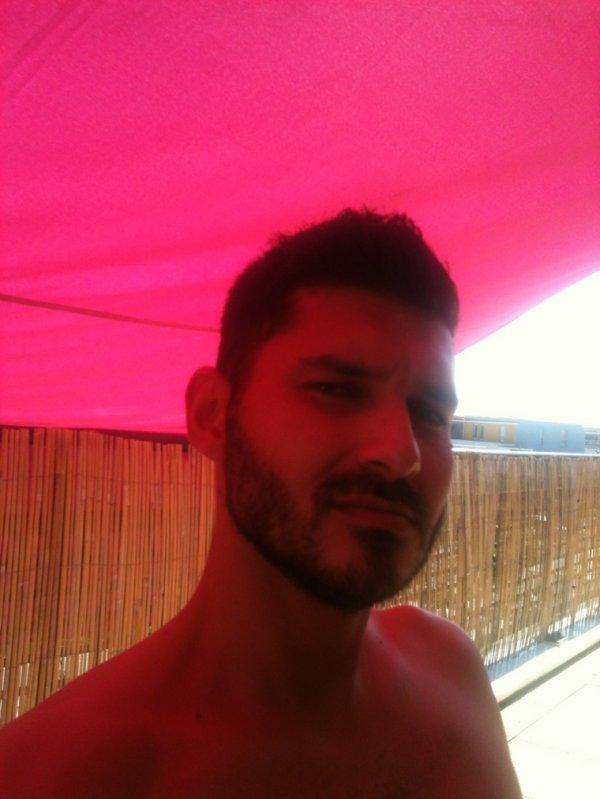 Dites moi mes p´tites beautées la barbe j'la garde ou j'la coupe ??