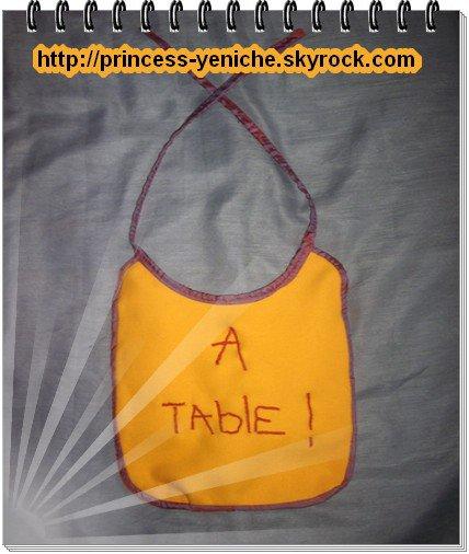 """Bavoir broder """" A TABLE ! """" & bavoir broder """" I <3 ME """""""