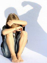 Maltraitance sexuelle : repérer les signes comportementaux de l'entourage