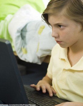 Internet : les 8-17 ans victimes d'agressions