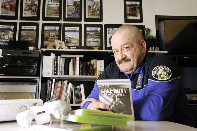 Le gendarme Genton, testeur de jeux vidéo