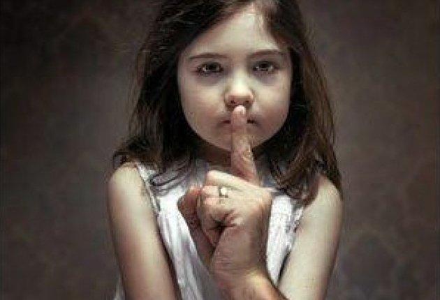 """Le Conseil fédéral rejette l'initiative """"Pour que les pédophiles ne travaillent plus avec des enfants"""""""