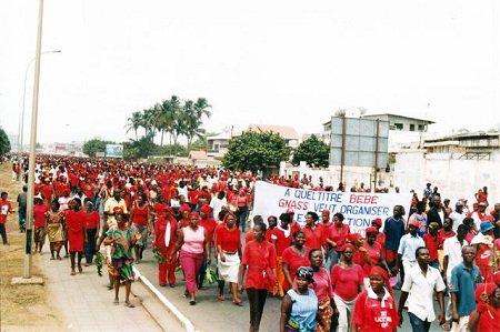 JEUDI 20 SEPTEMBRE 2012, MARCHE ROUGE DES FEMMES TOGOLAISE POUR UN TOGO LIBRE ET DEMOCRATIQUE.