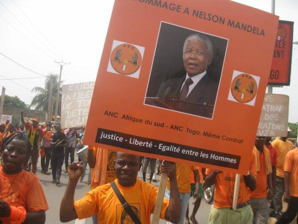 DE L'APARTHEID SUD-AFRICAIN A L'APARTHEID TOGOLAIS, NOUS AVONS LE DEVOIR DE RESISTANCE COMME MANDELA. MES HOMMAGES, MON IDOLE.