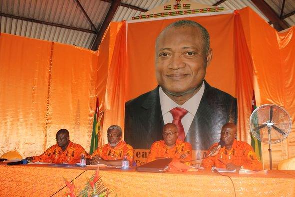 Jean-Pierre FABRE précise que son investiture comme candidat de l'ANC à l'élection présidentielle de 2015 est à proposer aux forces démocratiques