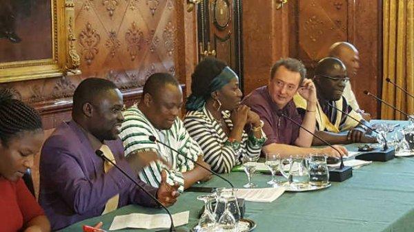 Jeux et enjeux du G20, Gouvernance et Droits de l'Homme, le cas du Togo.(Une communication d'Izotou Abi-Alfa au Parlement et à l'Université de Hamburg, Allemagne )