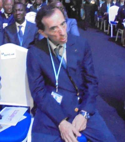 Charles Debbasch, Escroc Recherché En France, Roi Sous Les Tropiques.