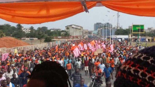 Démonstration de force dans les rues de Lomé, ce jeudi 03 août. Impressionnant ! Par Togo Top News - 4 août 2017